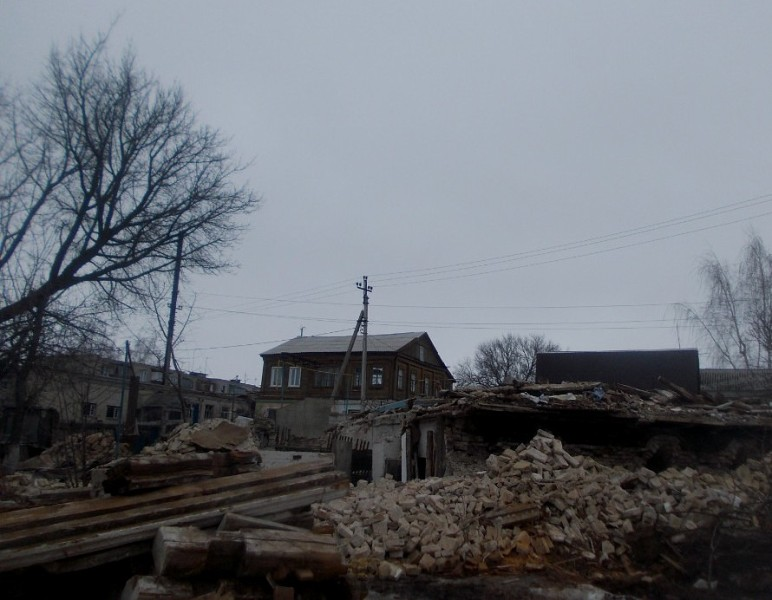 поиск в разваленных домах